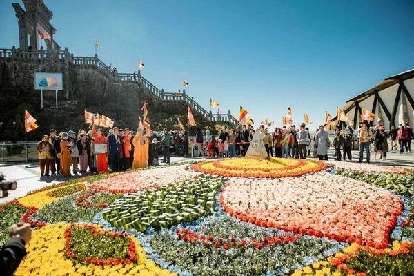 Cận cảnh lễ cầu an lớn nhất trên đỉnh Fansipan
