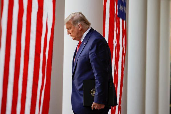 Lễ ân xá gà tây cuối cùng của Tổng thống Trump