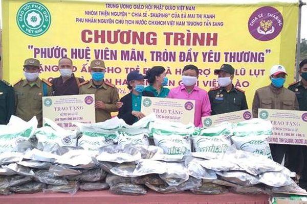 Hỗ trợ sau lũ cho người dân tại khu vực biên giới Việt Nam-Lào tỉnh Quảng Trị