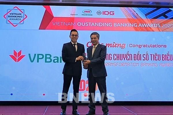 VPBank năm thứ 3 liên tiếp nhận giải 'Ngân hàng chuyển đổi số tiêu biểu'