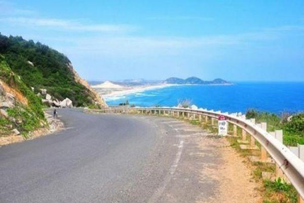 Gần 1.600 tỷ đồng thi công hai tuyến đường ven biển Bình Thuận