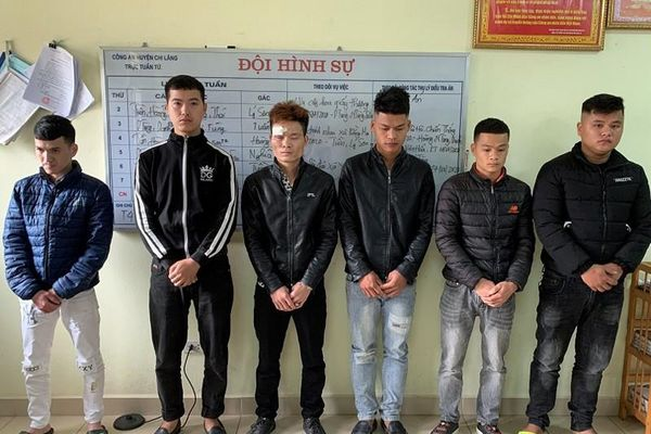 Bắt giữ nhóm thanh niên dùng dao để 'giải quyết' mâu thuẫn