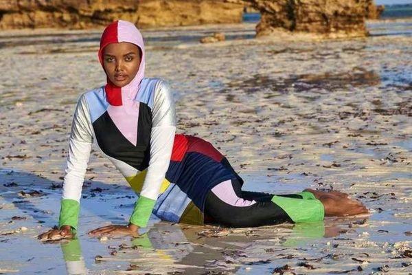 Người mẫu đạo Hồi được Gigi Hadid ủng hộ bỏ nghề