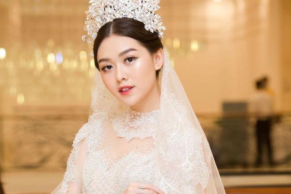 Các người đẹp tham dự lễ cưới của Á hậu Tường San