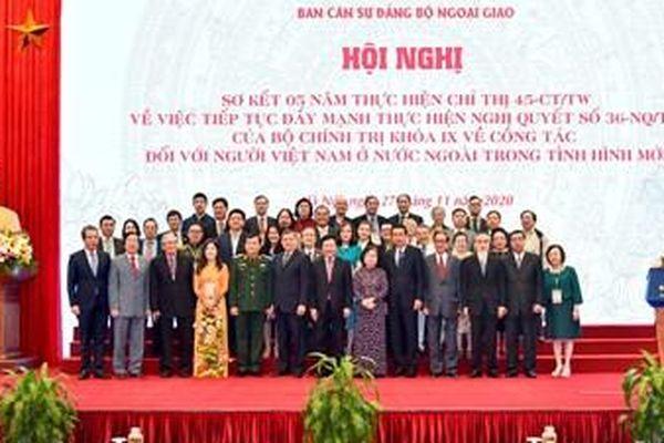 Công tác về người Việt Nam ở nước ngoài cần có sự chuyển biến mạnh mẽ, toàn diện và sâu sắc hơn