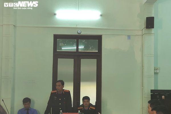 Bác sĩ bị cáo buộc hiếp dâm nữ điều dưỡng: VKS bác đề nghị của luật sư