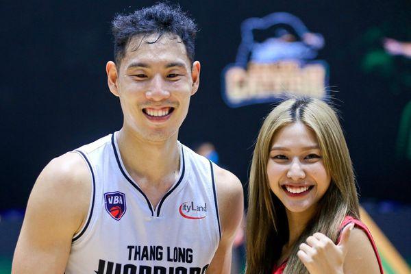 Thành viên nhóm Lip B ngưỡng mộ cầu thủ bóng rổ Việt kiều