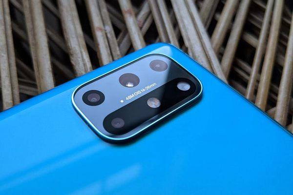 Đánh giá OnePlus 8T, đối thủ đáng gờm của Samsung Galaxy S20