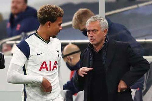Jose Mourinho và 'những quân bài trong tay áo'