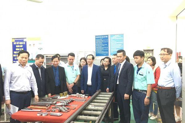 107 thí sinh tham dự Hội thi thợ giỏi trong công nhân lao động các Khu công nghiệp và chế xuất Hà Nội lần thứ VII