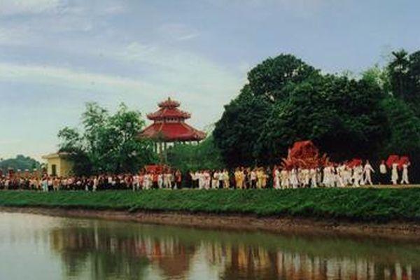 Hưng Yên: Đền Hoàng Bà