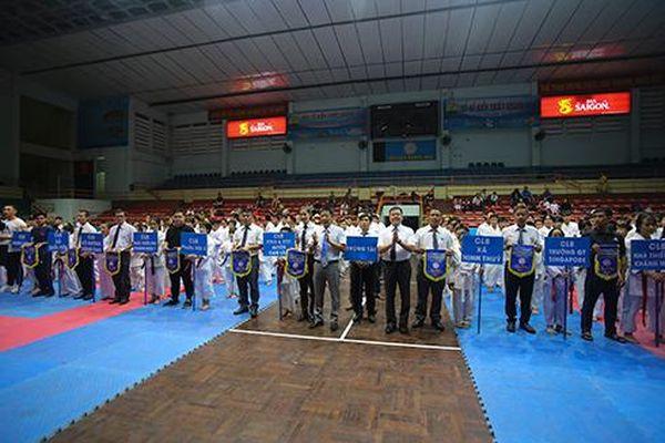 Hơn 190 võ sinh tranh tài Giải Karatedo Thiếu niên-Nhi đồng các câu lạc bộ tỉnh