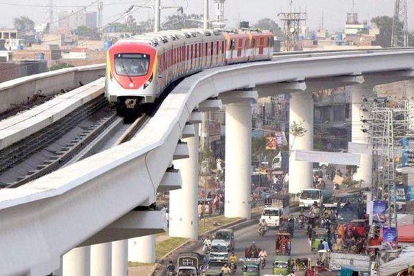 Đằng sau tuyến đường sắt đô thị của Pakistan từ vốn vay Trung Quốc