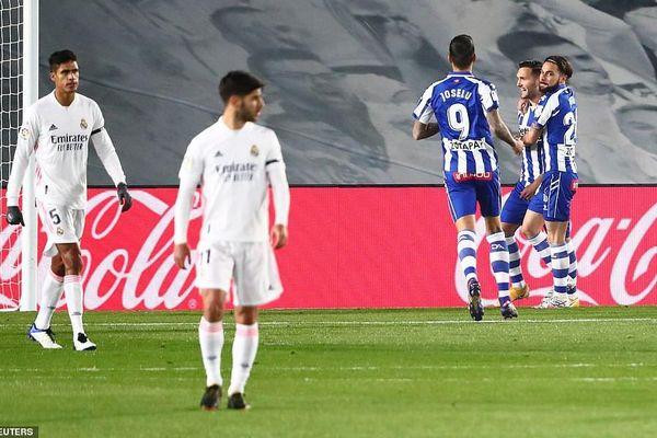 Hàng thủ cẩu thả, Real Madrid thua sốc trên sân nhà