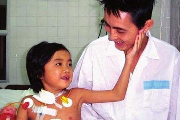 Cô gái 25 tuổi - 'em bé' đầu tiên được ghép gan ở Việt Nam qua đời