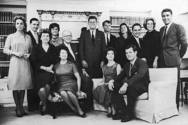 Bí ẩn 'lời nguyền' nghiệt ngã đeo bám gia tộc Kennedy danh tiếng
