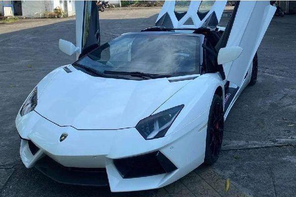 Lamborghini Aventador Roadster hơn 37 tỷ của đại gia Bình Phước?
