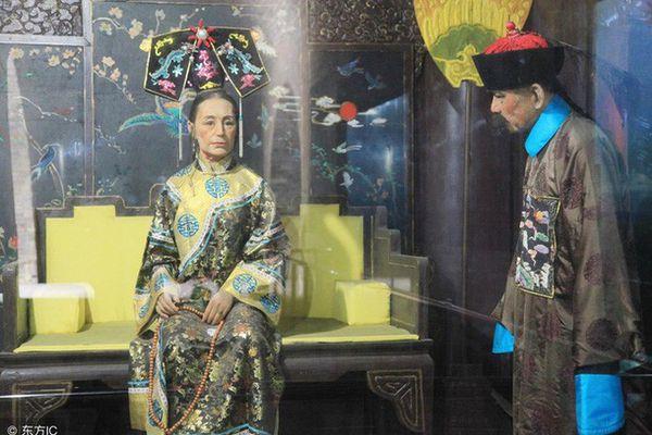 Bi kịch của những người 'vô tình' nhìn thấy nhan sắc thật của Từ Hy Thái hậu