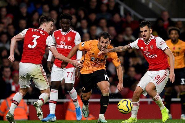 Trực tiếp Arsenal vs Wolves: Pháo thủ lâm nguy
