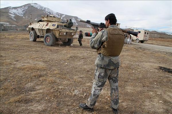 Thương vong trong vụ đánh bom xe liều chết ở Afghanistan vượt 50 người