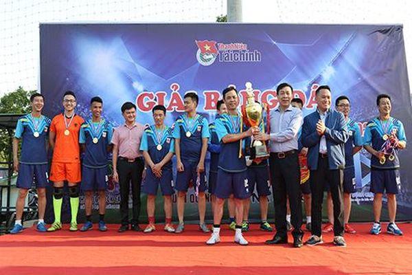 Chùm ảnh trao Giải bóng đá Thanh niên Bộ Tài chính năm 2020