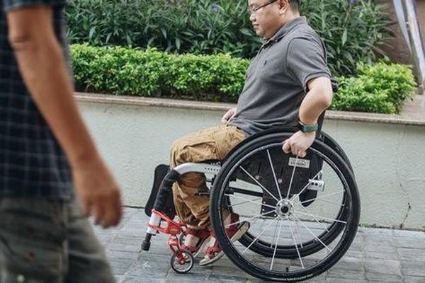 Chàng trai 'không thể vỡ' với 150 lần gãy xương vẫn chinh phục 4 cực và đỉnh Fansipan, đặt chân đến 45 tỉnh/thành phố