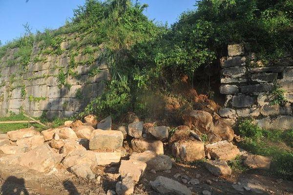 Gần 15 tỉ đồng tu sửa cấp thiết đoạn thành Thành Nhà Hồ bị sạt đổ