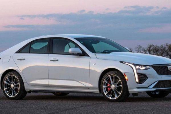 Xe sang Cadillac CT4 bị triệu hồi vì lỗi gắn sai phù hiệu
