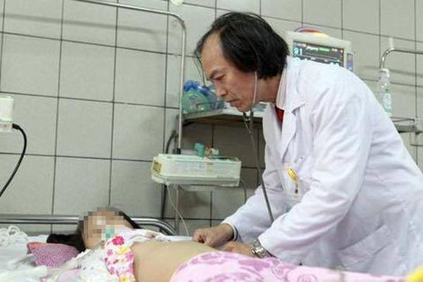 Khởi tố người mẹ bạo hành con gái 3 tuổi ở TP.HCM