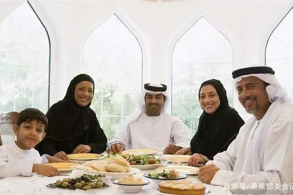 Trong 3 bữa cơm hàng ngày nhà giàu Dubai ăn gì?