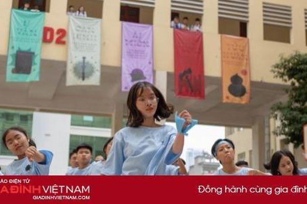 Teen Chuyên sư phạm 'cháy' với Flashmob Day