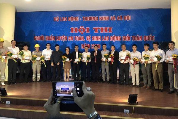 Hơn 120 thí sinh tham gia Hội thi 'Người huấn luyện an toàn, vệ sinh lao động giỏi toàn quốc năm 2020'