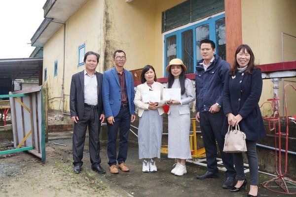 Trao hỗ trợ cho các trường mầm non chịu thiệt hại do mưa, lũ tại Quảng Trị