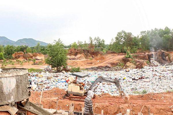 Bãi rác cạnh Khu tái định cư Suối Lau 2: Phải khẩn trương xử lý