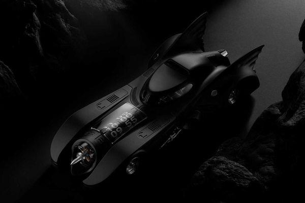 Đồng hồ thiết kế giống xe của Batman có giá gần 30.000 USD