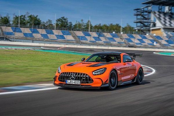 Hé lộ thời điểm ra mắt của Mercedes-AMG GT Black Series 2021, giá dự kiến 7,5 tỷ đồng