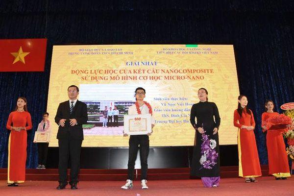 Trường Đại học Bách khoa Hà Nội giành 9 giải thưởng sinh viên nghiên cứu khoa học