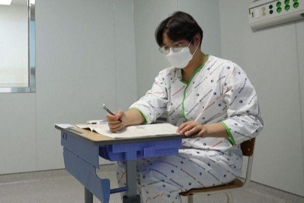Nửa triệu sinh viên Hàn Quốc thi đại học bất chấp dịch bệnh