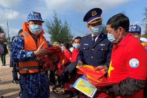 Cảnh sát biển với đồng bào dân tộc, tôn giáo