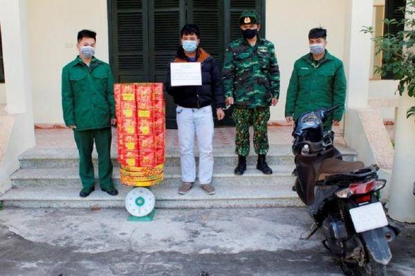 Quảng Ninh: Bắt giữ đối tượng vận chuyển hơn 50 kg pháo trái phép