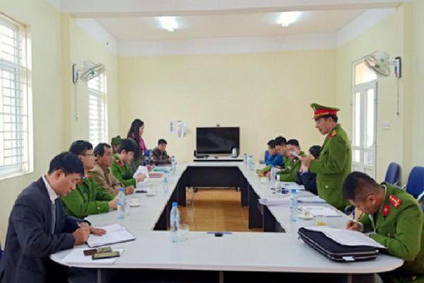 7 lãnh đạo và cựu cán bộ trong cùng 1 xã bị bắt giam