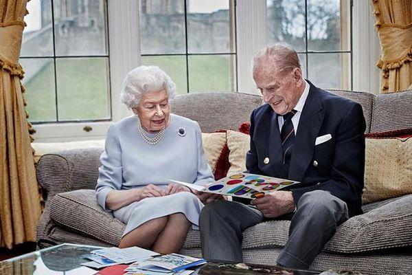 Loạt khoảnh khắc đầy ấn tượng của Hoàng gia Anh năm 2020