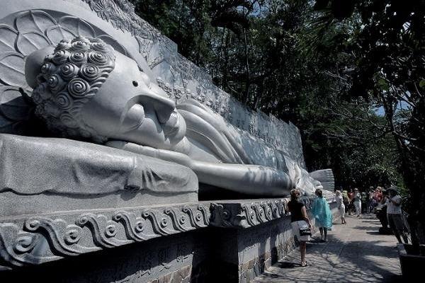Những ngôi chùa có kiến trúc độc đáo, hút khách ở Khánh Hòa
