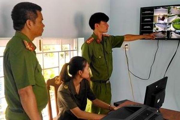 Công an xã góp sức giữ bình yên ở hai đầu Nam - Bắc Phú Yên