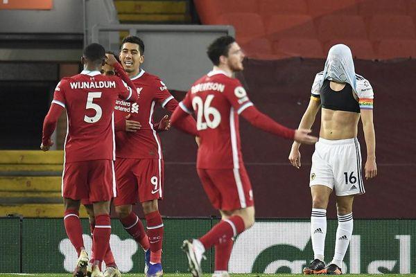Hiệp hai bùng nổ, Liverpool thắng đậm trên sân nhà