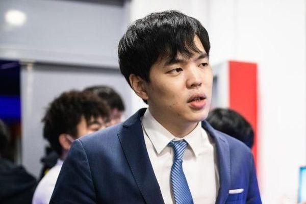 Suning chia tay huấn luyện viên Chashao