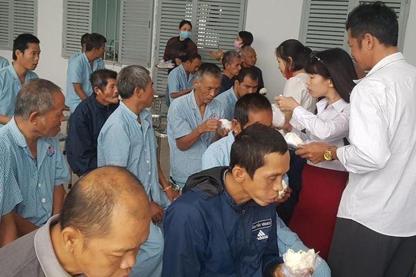 Khánh Hòa : Các nhóm từ thiện hỗ trợ người nghèo, bệnh nhân