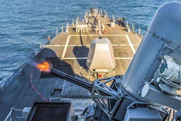 Xem vũ khí bắn 4.000 phát/phút hạ gục mục tiêu