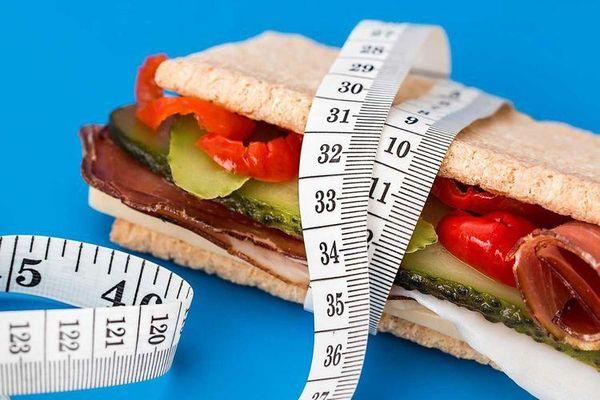 Tại sao một số người ăn nhiều nhưng không bao giờ tăng cân?