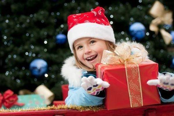 Những món quà giáng sinh dễ thương cho bé